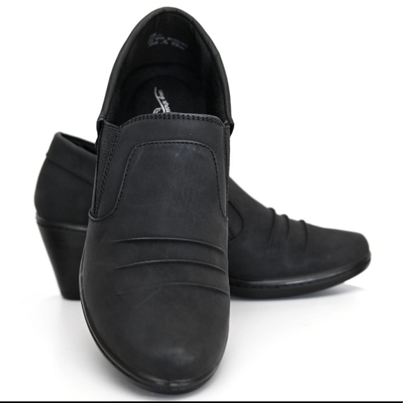 Easy Street comfort shoes! new with tags!!